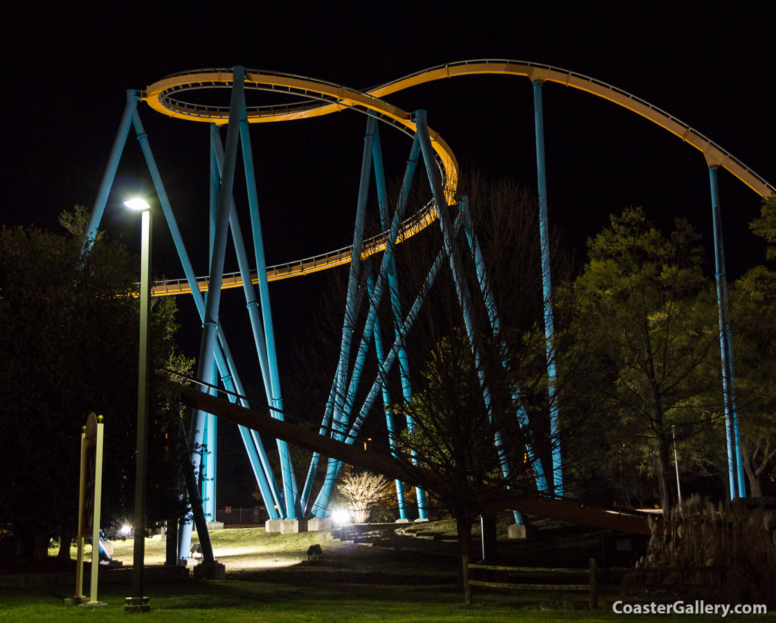 Night pictures of a roller coaster in Atlanta