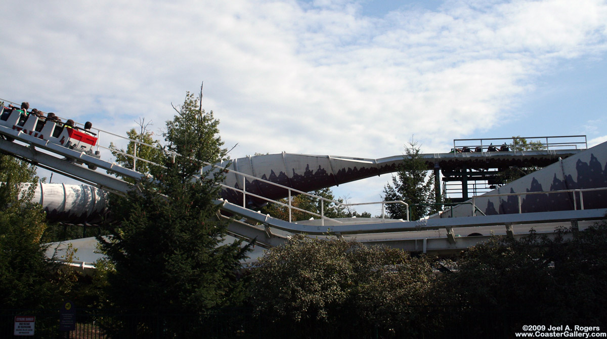 Bobsled Coaster blocking brake