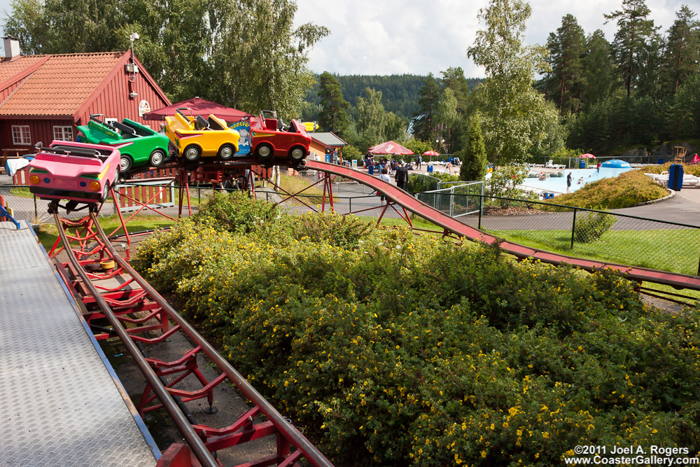 TusenFryd claims Dvergbanen is the world s smallest roller coasterThe Smallest Roller Coaster In The World